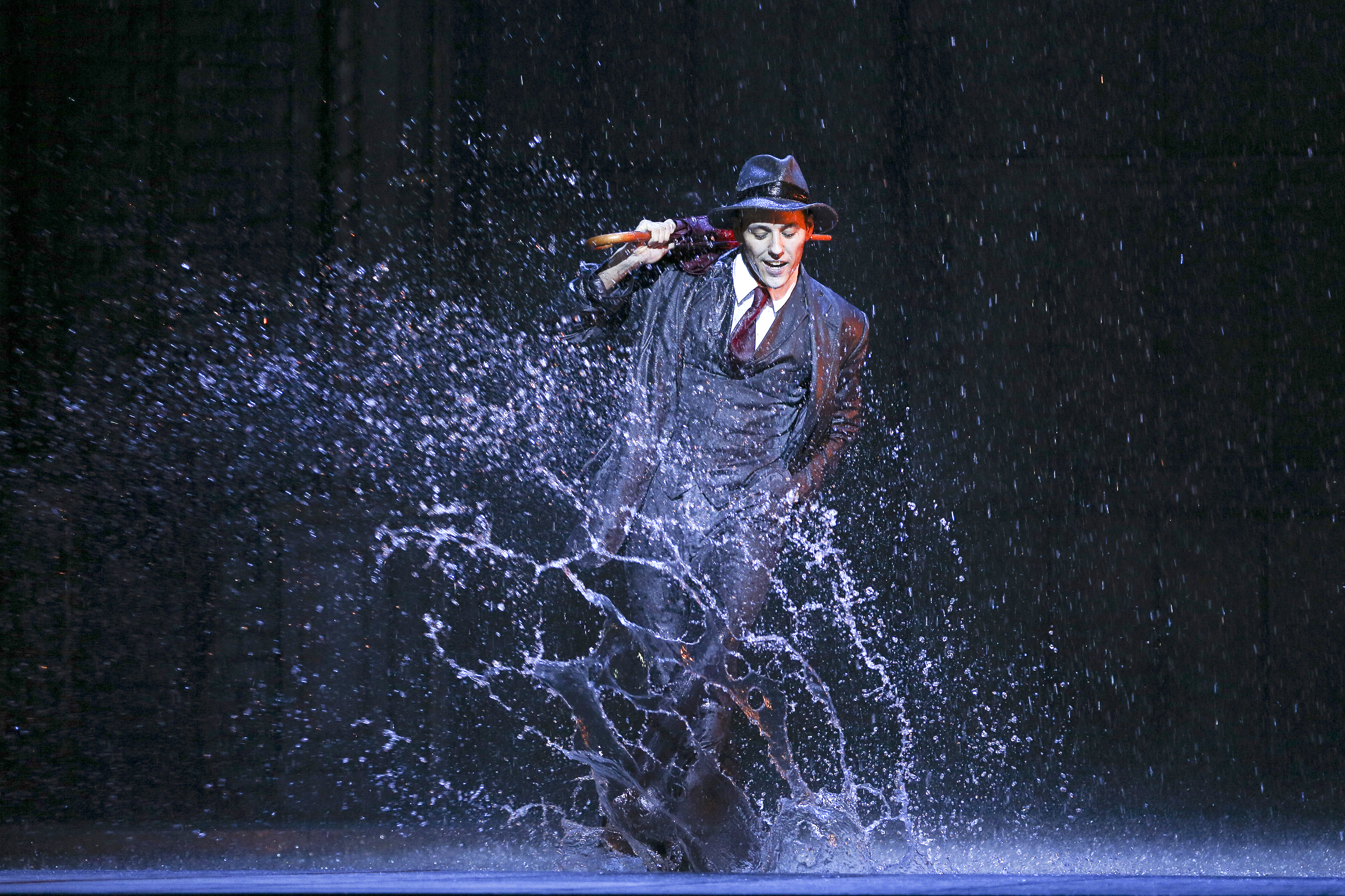 REVIEW  Singin  in the Rain  The Civic      Theatre Scenes  Auckland